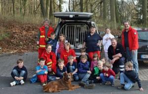 Die KF Helsinghausen/Kreuzriehe besucht die Rettungshundestaffel der DLRG