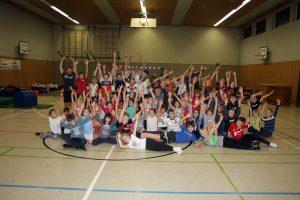 56 Jungen und Mädchen hatten viel Spaß bei der diesjährigen Hallenübernachtung.